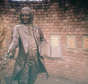 Linnaeus Sculpture