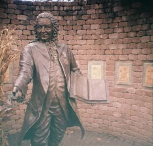 Linnaeus Sculpture